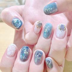 圆形蓝色白色贝壳片金箔日式夏天美甲图片