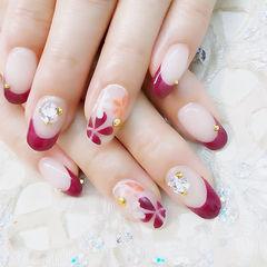 圆形红色手绘花朵法式新娘钻美甲图片