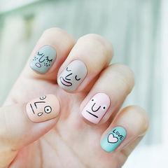 方圆形粉色灰色裸色蓝色手绘可爱表情跳色韩式美甲图片