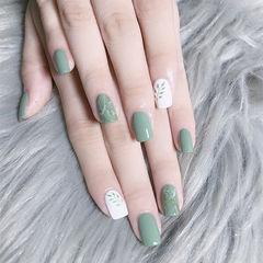 方圆形绿色白色简约手绘夏天树叶绿色系美甲手绘美甲美甲图片