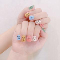 方圆形粉色蓝色黄色白色绿色手绘可爱跳色磨砂表情韩式美甲图片