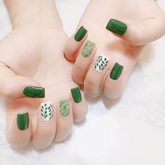 方圆形绿色白色手绘晕染夏天树叶美甲图片