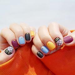方圆形蓝色黑色黄色紫色跳色磨砂网纹韩式美甲图片