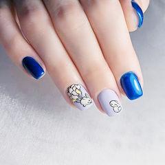 方圆形蓝色裸色手绘可爱兔子美甲图片