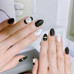 圆形黑色白色手绘金银线晕染石纹磨砂美甲图片