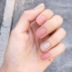 方圆形粉色裸色金银线简约磨砂上班族美甲图片
