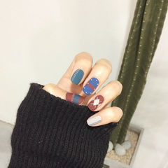 蓝色红色韩式磨砂格纹磨砂美甲美甲图片