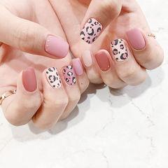 方圆形红色粉色白色手绘豹纹磨砂美甲图片