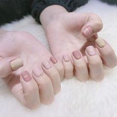 方圆形粉色裸色金银线简约磨砂美甲图片