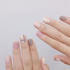 方圆形粉色灰色白色手绘珍珠线条磨砂美甲图片