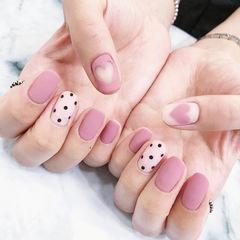 方圆形粉色白色手绘心形波点镂空磨砂美甲图片