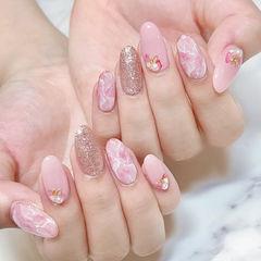 圆形粉色银色手绘晕染日式珍珠美甲图片