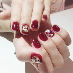 方圆形红色贝壳片金箔新娘美甲图片