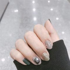 圆形灰色银色绿色钻金银线美甲图片