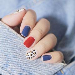 方圆形红色蓝色白色跳色手绘豹纹美甲图片