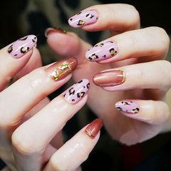 圆形粉色红色手绘豹纹美甲图片