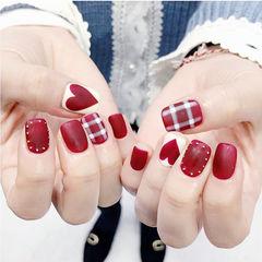 方圆形红色白色心形格纹磨砂美甲图片