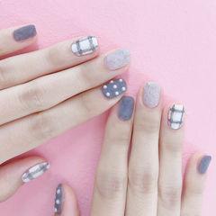 方圆形灰色白色格纹珍珠磨砂皮草胶美甲图片