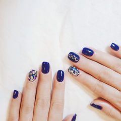 方圆形蓝色贝壳片金箔美甲图片