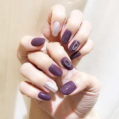 圆形紫色银色手绘美甲图片