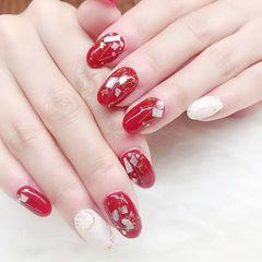 圆形红色白色贝壳片金箔美甲图片