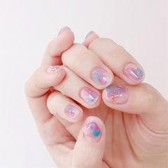 圆形紫色粉色蓝色晕染美甲图片
