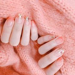 方圆形粉色渐变贝壳片简约美甲图片