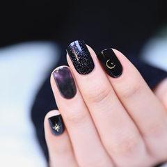 方圆形黑色紫色晕染美甲图片
