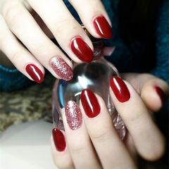 圆形红色纯色显白新年简约美甲图片