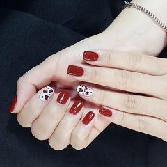 方圆形红色白色手绘豹纹美甲图片