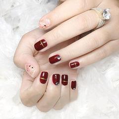 方圆形酒红色晕染钻贝壳片新年美甲图片