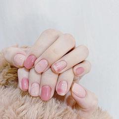 方圆形粉色裸色格纹美甲图片