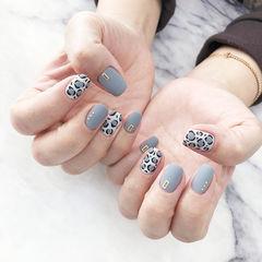 方圆形灰色白色手绘豹纹磨砂美甲图片
