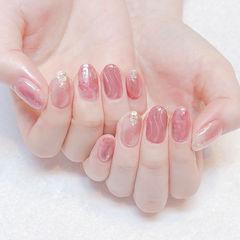 圆形粉色贝壳片水波纹美甲图片