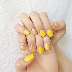 方圆形黄色贝壳片美甲图片