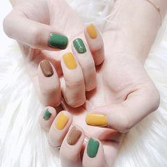 方圆形黄色棕色绿色跳色美甲图片