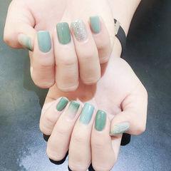 方形绿色银色渐变美甲图片