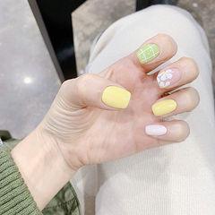 方圆形绿色黄色白色手绘花朵跳色春天美甲图片