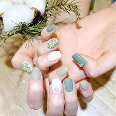 方圆形绿色白色手绘毛呢珍珠跳色美甲图片