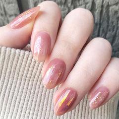 圆形粉色碎玻璃金箔春天美甲图片