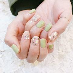 方圆形绿色手绘花朵钻春天美甲图片