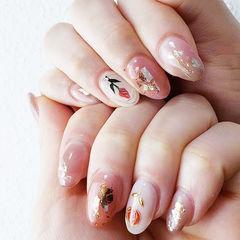 圆形粉色晕染贝壳片金箔手绘花朵日式美甲图片