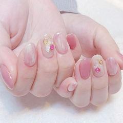 圆形粉色晕染贝壳片日式春天简约美甲图片
