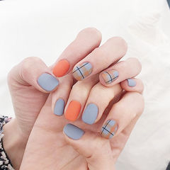方圆形灰色橙色格纹磨砂美甲图片
