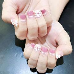 方圆形粉色白色手绘雏菊圆法式春天美甲图片