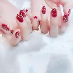 圆形红色心形钻金箔新娘美甲图片