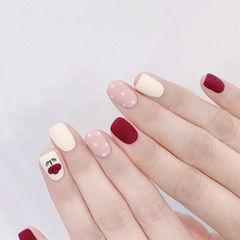 方圆形红色粉色白色手绘花朵波点跳色磨砂美甲图片