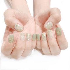 方圆形绿色晕染贝壳片春天美甲图片