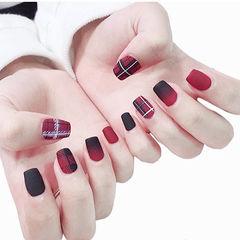 方圆形红色黑色渐变格纹磨砂美甲图片