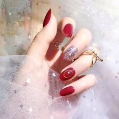 圆形红色银色钻新娘显白美甲图片